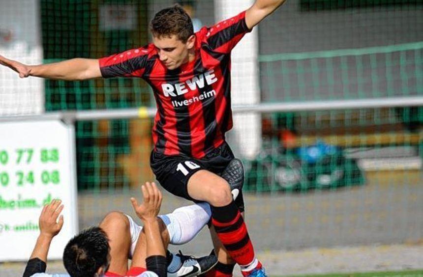 Ilvesheims Marco Klein (rechts) spielte stark auf und der Spitzenreiter behielt gegen den SSV ...