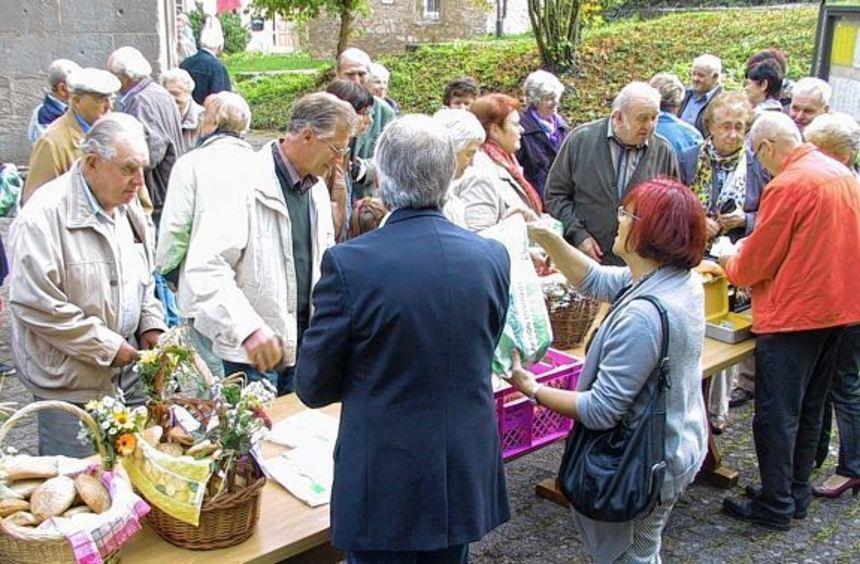 Aktion Minibrot: Beim Landvolkgottesdienst in der Bergkirche in Laudenbach wurden am Sonntag wieder ...