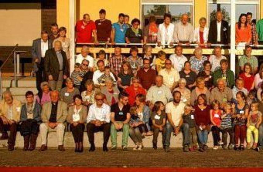 Wer kennt sie alle? Die Nachkommen des Bäckermeisters Nikolaus Kraft kamen kürzlich wieder in ...