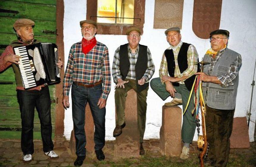 Das sind die aktuellen Kerweborscht, die das Brauchtum pflegen (von links): Roger Hillengaß, Helmut ...