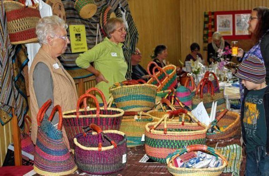 """Der """"Tag für Ghana"""" fand am Sonntag in der Kreuzwertheimer Dreschhalle statt. Organisatorin Gertrud ..."""