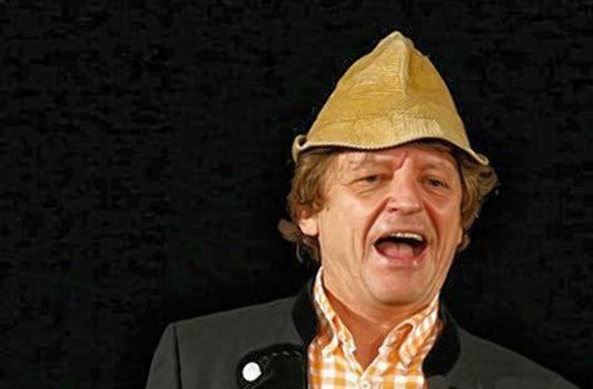Kühlt sein Mütchen unterm Hütchen: Spaßmacher Erwin Pelzig.