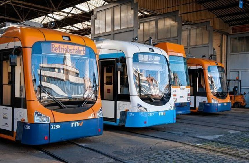 Das Fahren mit Straßenbahnen und Bussen wird auch in Heidelberg für Studenten teurer - dank der ...