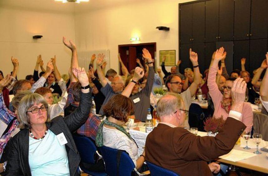 Ohne Gegenstimme nahm die Synode des Evangelischen Dekanats Bergstraße eine Resolution zum Thema ...