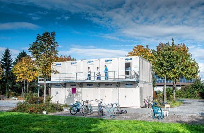 In Einhausen wurden Wohncontainer für die Flüchtlinge aufgestellt. Ob dies auch in Bensheim ...