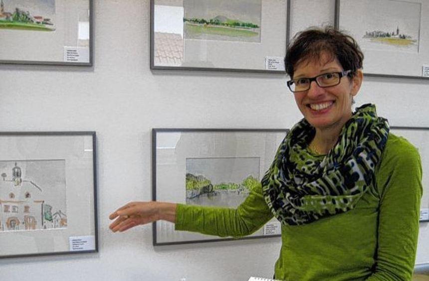 """Schauplätze ihres """"Riedkalenders"""": Gabriele Koblitz präsentiert die Motive, die sie gemalt und ..."""