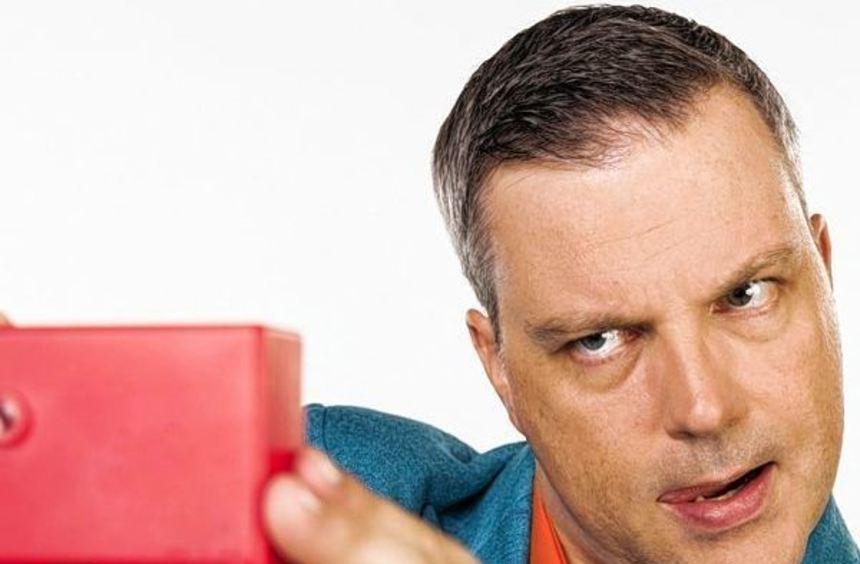 Johannes Scherer tritt am 9. November im Parktheater auf. Der Comedian präsentiert sein Programm ...
