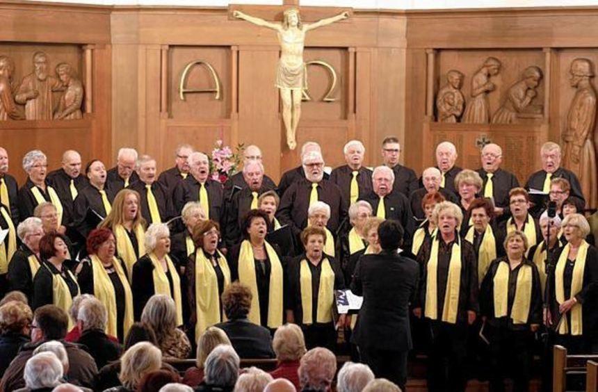 In der gut besuchten Dreifaltigkeitskirche zeigten die Mitglieder der verschiedenen Chorformationen ...
