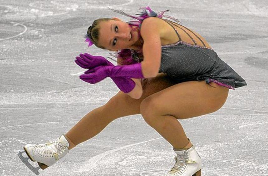 Nathalie Weinzierl belegte nach dem Kurzprogramm (Bild) den ersten Platz - in der Kür machte ihr ...