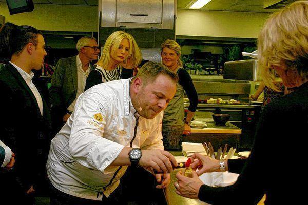 Kochen soll auch zum lachen anregen schwetzinger for Sternekoch mannheim
